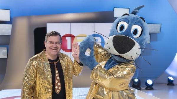 Elton und Piet Flosse haben sich schick gemacht.   Rechte: ZDF/Ralf Wilschewski