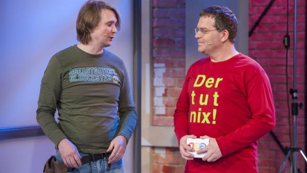Marco Heyse , Filmtiertrainer im Gespräch mit Elton | Rechte: ZDF/Ralf Wilschewski