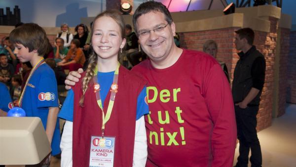 Elton und Kamerakind Juliana aus Eschweiler | Rechte: ZDF/Ralf Wilschewski