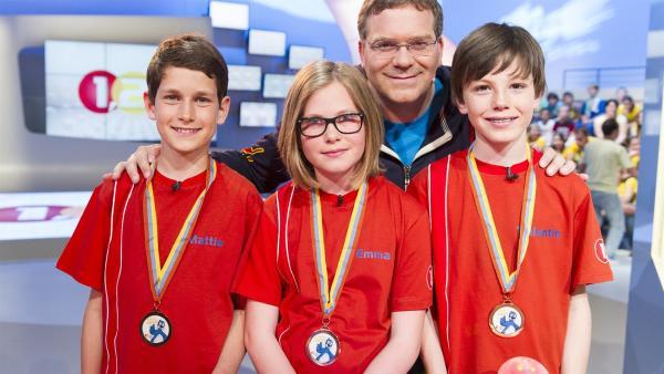 Elton, Piet Flosse und die Kandidaten aus Prad/Italien | Rechte: ZDF/Ralf Wilschewski