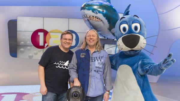 Elton, Piet Flosse und der Unterwasserfilmer Ralf Kiefner - der schon viele Haie vor die Linse bekommen hat! | Rechte: ZDF/Ralf Wilschewski
