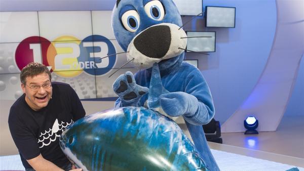 Elton und Piet Flosse. | Rechte: ZDF/Ralf Wilschewski
