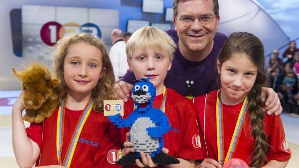 Elton und das Gewinner-Team aus Edinburgh/Schottland | Rechte: ZDF/Ralf Wilschewski