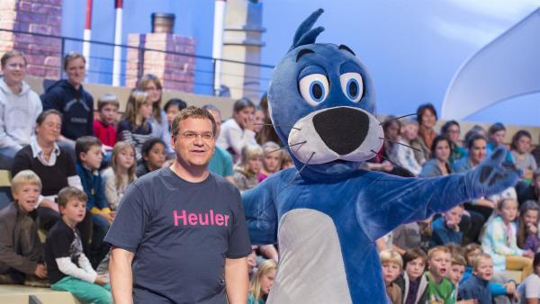 Elton und Piet Flosse informieren heute über das Wattenmeer. | Rechte: ZDF/Ralf Wilschewski