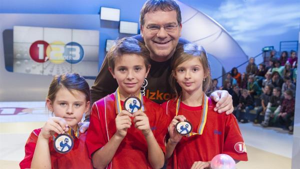 Elton und die Kandidaten aus Bratislava/Slowakai | Rechte: ZDF/Ralf Wilschewski