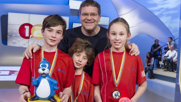 Elton und die Kandidaten aus Göteborg/Schweden - Ein Gewinner-Team!   Rechte: ZDF/Ralf Wilschewski