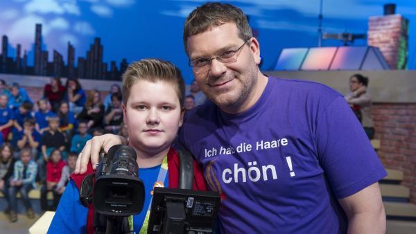Elton und Kamerakind Jonas aus Marktheidenfeld | Rechte: ZDF/Ralf Wilschewski