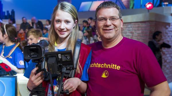 Elton und Kamerakind Lara aus Mittenwald | Rechte: ZDF/Ralf Wilschewski