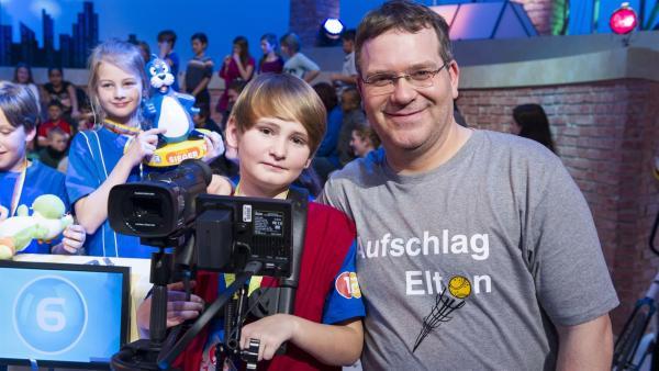 Elton und Kamerakind Paul aus Kißlegg | Rechte: ZDF/Ralf Wilschewski