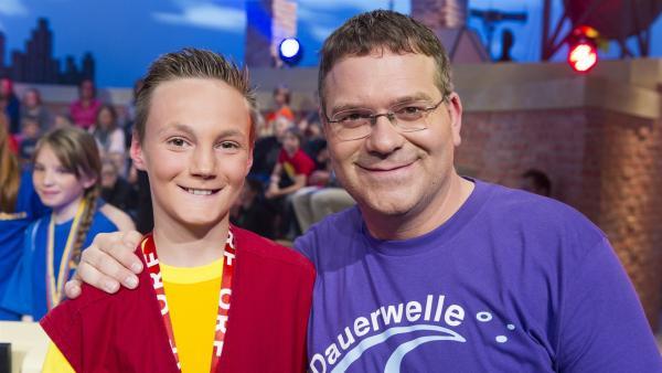 Elton und Kamerakind Nico aus St. Ulrich/Österreich.   Rechte: ZDF/Ralf Wilschewski