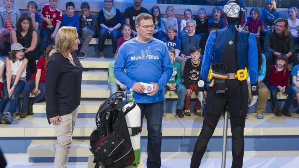 Elton und Tauchlehrerin Beatrix Schmitt | Rechte: ZDF/Ralf Wilschewski