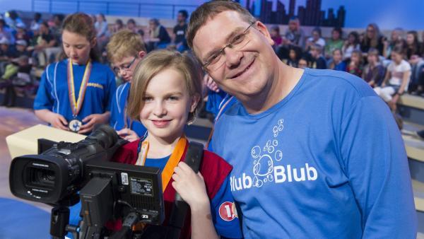 Elton und  Kamerakind Juliette aus Neuruppin | Rechte: ZDF/Ralf Wilschewski