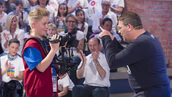 Elton und Kamerakind Ben aus Gießen | Rechte: ZDF/Ralf Wilschewski