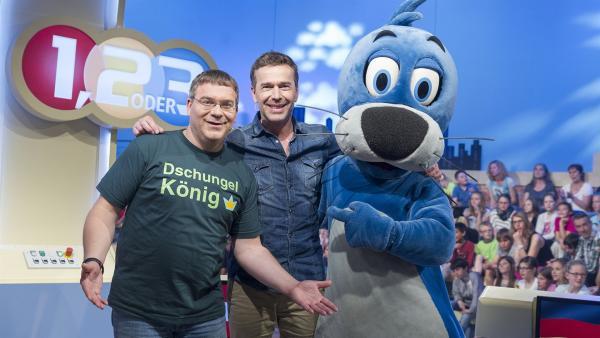 Elton, Dirk Steffens und Piet Flosse haben ihren Spaß im 1,2 oder 3-Studio. | Rechte: ZDF und Ralf Wilschewski