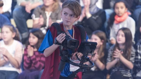 Kamerakind Lennart aus Bad Dürrheim/Deutschland ist auf der Suche nach seinem nächsten Motiv. | Rechte: ZDF/Ralf Wilschewski