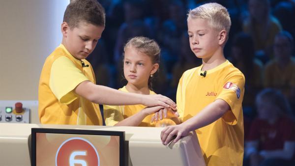 Die Kandidaten aus Wildendürnbach/Österreich wollen sich heute jede Menge Punkte erspielen.    | Rechte: ZDF/Ralf Wilschewski