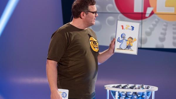 Eine Tuschezeichnung von Elton und Piet. Ob Elton die wohl selbst gemacht hat? | Rechte: ZDF/Ralf Wilschewski