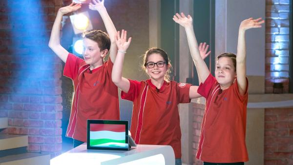 Gleich geht es los! Das Team aus Budapest/Ungarn freut sich auf die Sendung. | Rechte: ZDF/Ralf Wilschewski