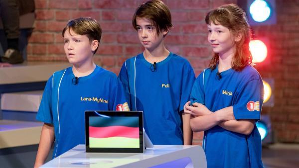 Die Kandidaten aus Bernried am Starnberger See/Deutschland wollen heute viele Punkte erspielen.   Rechte: ZDF/Ralf Wilschewski