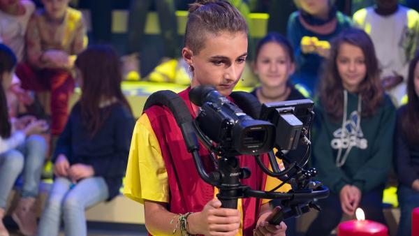 Kamerakind Julian aus Innsbruck/Österreich hat das Motiv fest im Blick.   Rechte: ZDF/Ralf Wilschewski