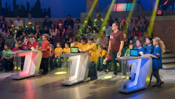 """Auch heute vermittelt """"1, 2 oder 3"""" wieder Wissen auf unterhaltsame und spielerische Weise.   Rechte: ZDF/Ralf Wilschewski"""