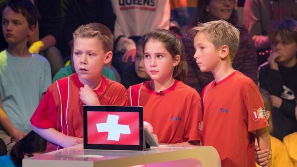 Die Kandidaten aus Bergdietikon/Schweiz kämpfen heute mit Grips und Wissen um den Tagessieg.   Rechte: ZDF/Ralf Wilschewski