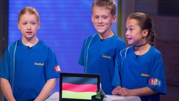 Die Kandidaten aus Schwabhausen/Deutschland wollen viele Punkte erspielen. | Rechte: ZDF/Ralf Wilschewski