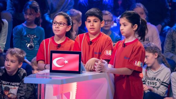 Die Kandidaten aus Istanbul/Türkei wollen heute viele Punkte erspielen. | Rechte: ZDF/Ralf Wilschewski