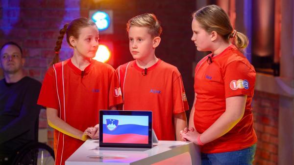 Die Kandidaten aus Miklavz/Slowenien strengen sich heute ganz besonders an, um den Tagessieg einzutüten.  | Rechte: ZDF/Ralf Wilschewski