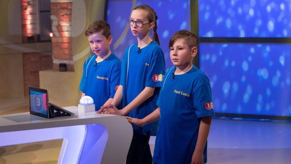 Die Kandidaten aus Nienburg (Saale)/Deutschland wollen sich heute jede Menge Punkte erspielen.  | Rechte: ZDF/Ralf Wilschewski