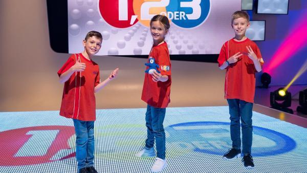 Die Kandidaten aus Basel in der Schweiz freuen sich auf die Sendung. | Rechte: ZDF/Ralf Wilschewski