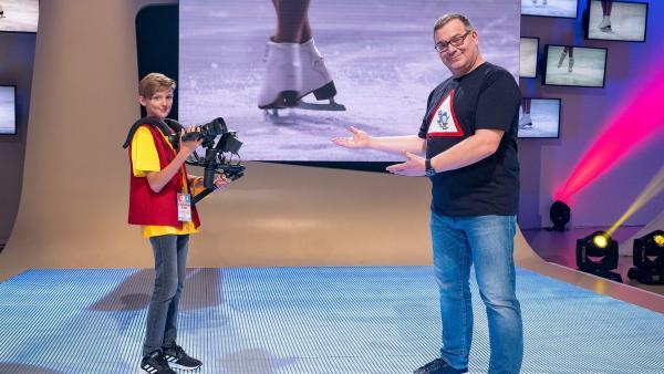Kamerakind Julian aus Innermanzing in Österreich mit Elton | Rechte: ZDF/Ralf Wilschewski