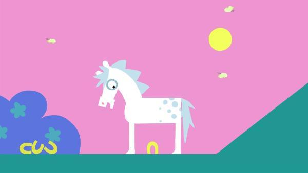 Das Pferd merkt, dass es auch ohne Hufeisen geht. | Rechte: KiKA/SWR/Film Bilder/Julia Ocker