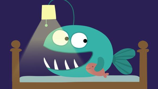 Nur mit Licht fühlt sich der kleine Anglerfisch wohl.   Rechte: KiKA/SWR/Film Bilder/Julia Ocker