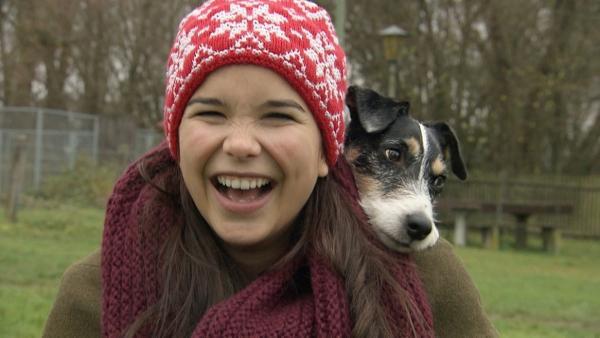 Hund / Wer sich Zeit für seinen Hund nimmt, wird mit treuer Freundschaft belohnt. | Bild: BR/TEXT + BILD Medienproduktion | Rechte: BR/TEXT + BILD Medienproduktion
