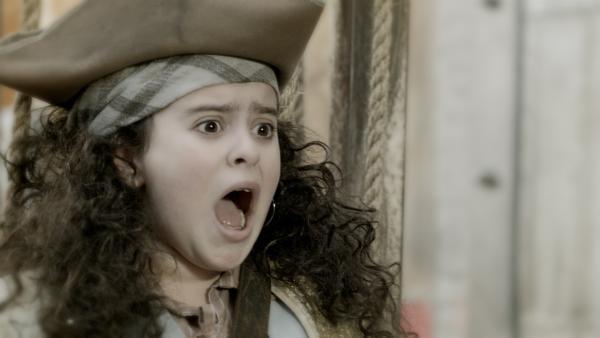Shania (Adrianna Di Liello) kommt als Piratenkapitän in Nicks Traum vor. | Rechte: KiKA/Sinking Ship Entertainment