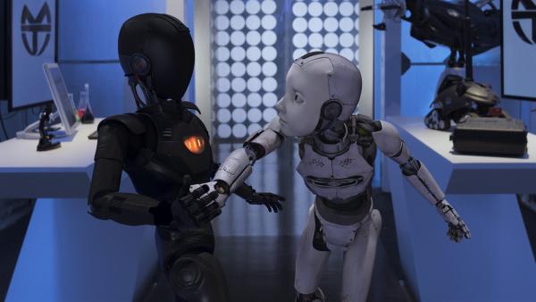 PAL (Millie Davis) und der Roboter geraten in einen Zweikampf. | Rechte: KiKA/Sinking Ship Entertainment