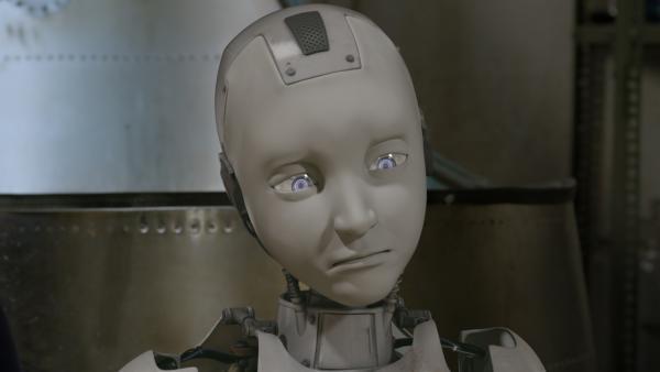 PAL (Millie Davis) hat ein neues Gefühl entwickelt: Er trauert um seinen Freund Magnus 22, der von Ada gelöscht wurde. | Rechte: KiKA/Sinking Ship Entertainment