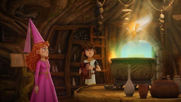 Im Dampf des Kessels entdecken Arthur und Guinevere ihren Freund, den Magier Merlin.   Rechte: SWR/Blue Spirit Productions/TéléTOON+/Canal+