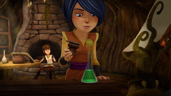 Zauberschülerin Morgan braut einen magischen Trank für ihre Freundin Guinevere. | Rechte: SWR/Blue Spirit Productions/TéléTOON+/Canal+