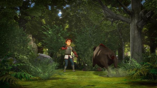 Ein wilder Eber rast auf Gawain zu.   Rechte: SWR/Blue Spirit Productions/TéléTOON+/Canal+