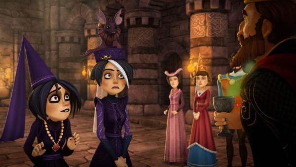 Morgause und Ygraine bitten König Uther um Hilfe. Auf ihrem Schloss hat sich ein Oger eingenistet. | Rechte: SWR/Blue Spirit Productions/TéléTOON+/Canal+