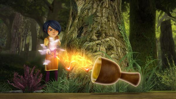 Morgan entwendet den sagenhaften Gral mit einem Zauberspruch. | Rechte: SWR/Blue Spirit Productions/TéléTOON+/Canal+