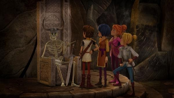 Arthur und seine Freunde befragen das Skelett nach dem Verbleib des Hammers der Giganten.   | Rechte: SWR/Blue Spirit Productions/TéléTOON+/Canal+