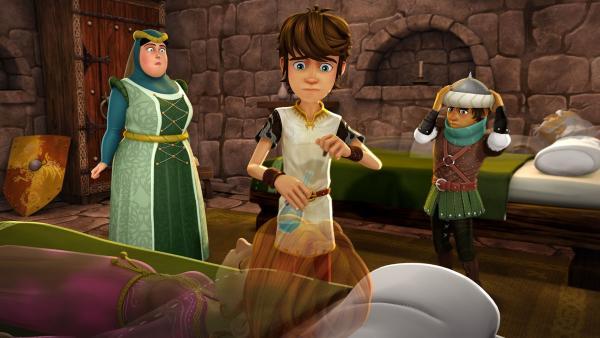 Mit einem Gegenmittel will Arthur die vergiftete Guinevere retten.   | Rechte: SWR/Blue Spirit Productions/TéléTOON+/Canal+