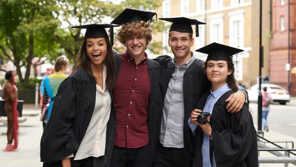 Was für eine tolle Vorstellung, mit allen Freunden auf dem College abzuschließen. Leider nur ein Traum?   Rechte: ZDF/Depesche/Des Willie