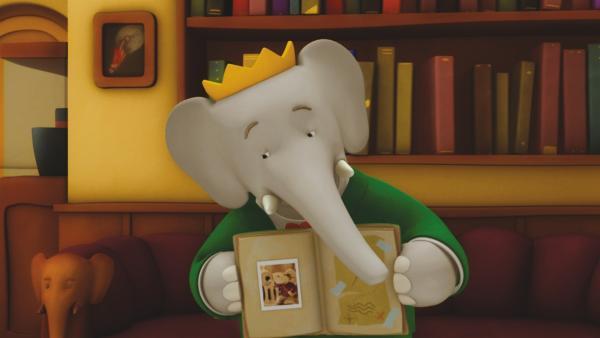 König Babar liest die Geschichte vom legendären Heldopotamus vor, dem es niemals gelang, die im Dschungel versteckten Goldenen Bananen zu entdecken. | Rechte: KiKA/Nelvana Limited