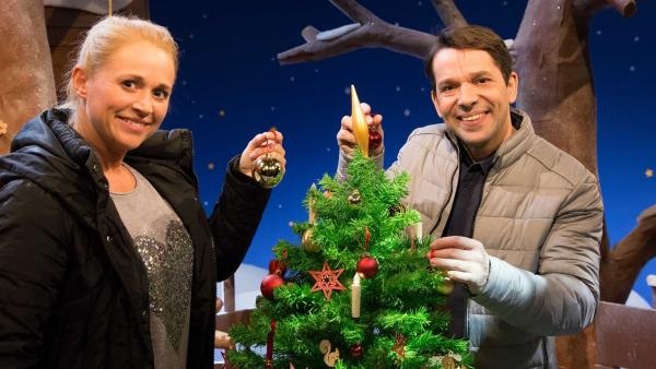 Singa und Juri feiern Weihnachten zusammen. | Rechte: KiKA/Tizian Hempel