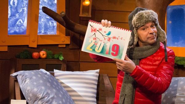 Juri trägt ein Neujahrsgedicht vor. | Rechte: KiKA/Tizian Hempel