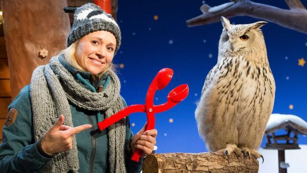 Singa hat eine sonderbare Sache in der Hand. | Rechte: KiKA/Tizian Hempel